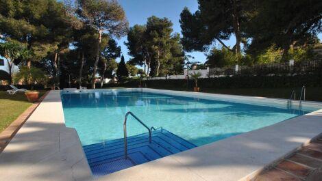 Atico de 3 dormitorios en venta en Los Monteros – R2932403 en