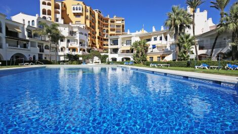 2 bedroom Apartment for sale in Cabopino – R3703895 in