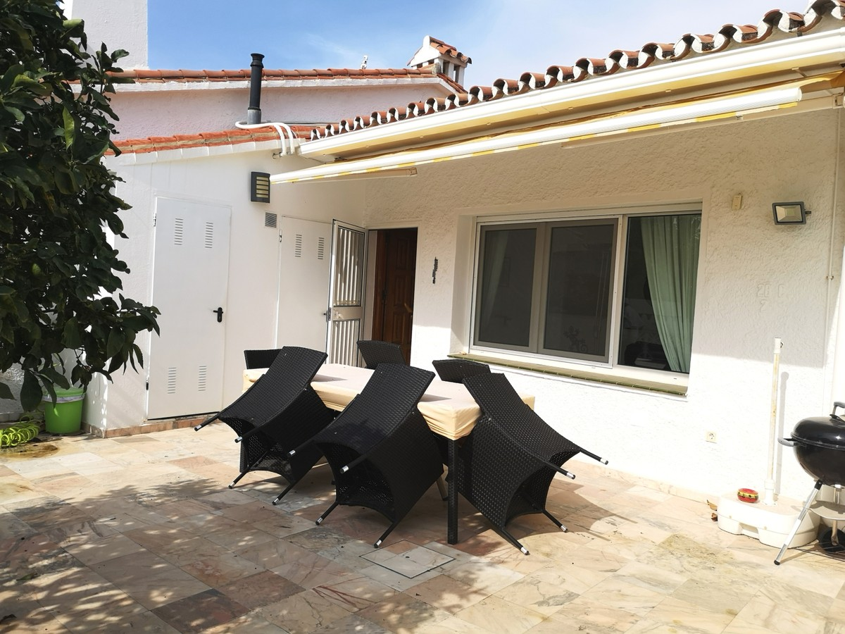 2 bedroom Townhouse for sale in Costabella – R3719864