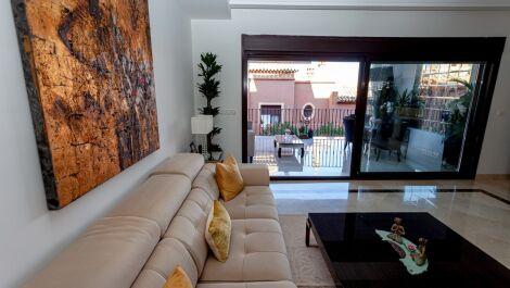 3 bedroom Townhouse for sale in Estepona – R3703397