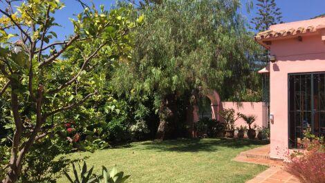 Villa de 3 dormitorios en venta en Los Monteros – R3707240 en