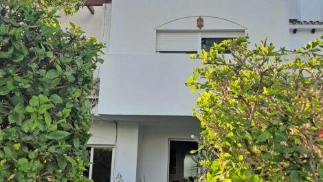 Adosado de 5 dormitorios en venta en Estepona – R3584077