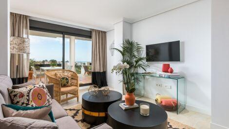 Atico de 2 dormitorios en venta en Selwo – R3676589 en