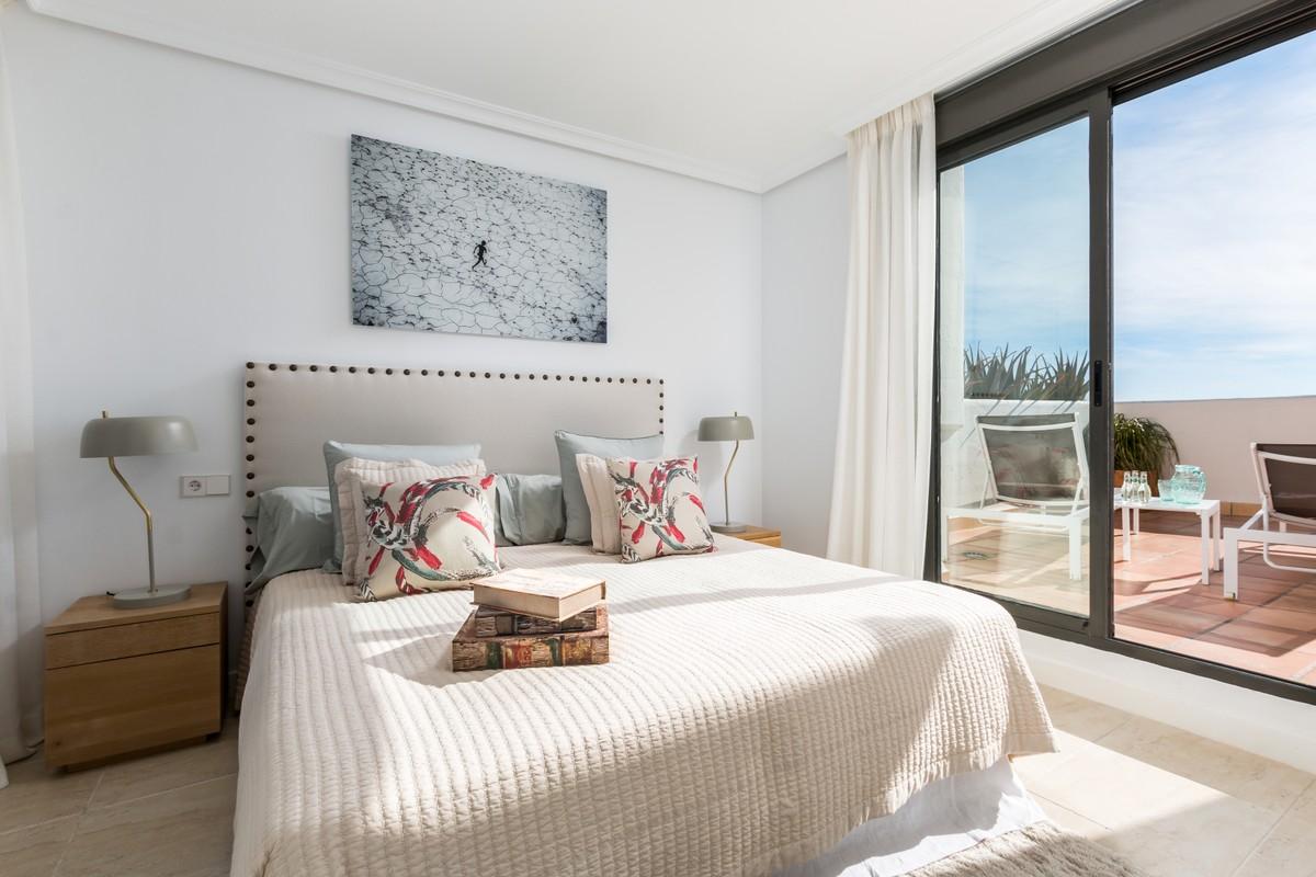 Atico de 2 dormitorios en venta en Selwo – R3676589
