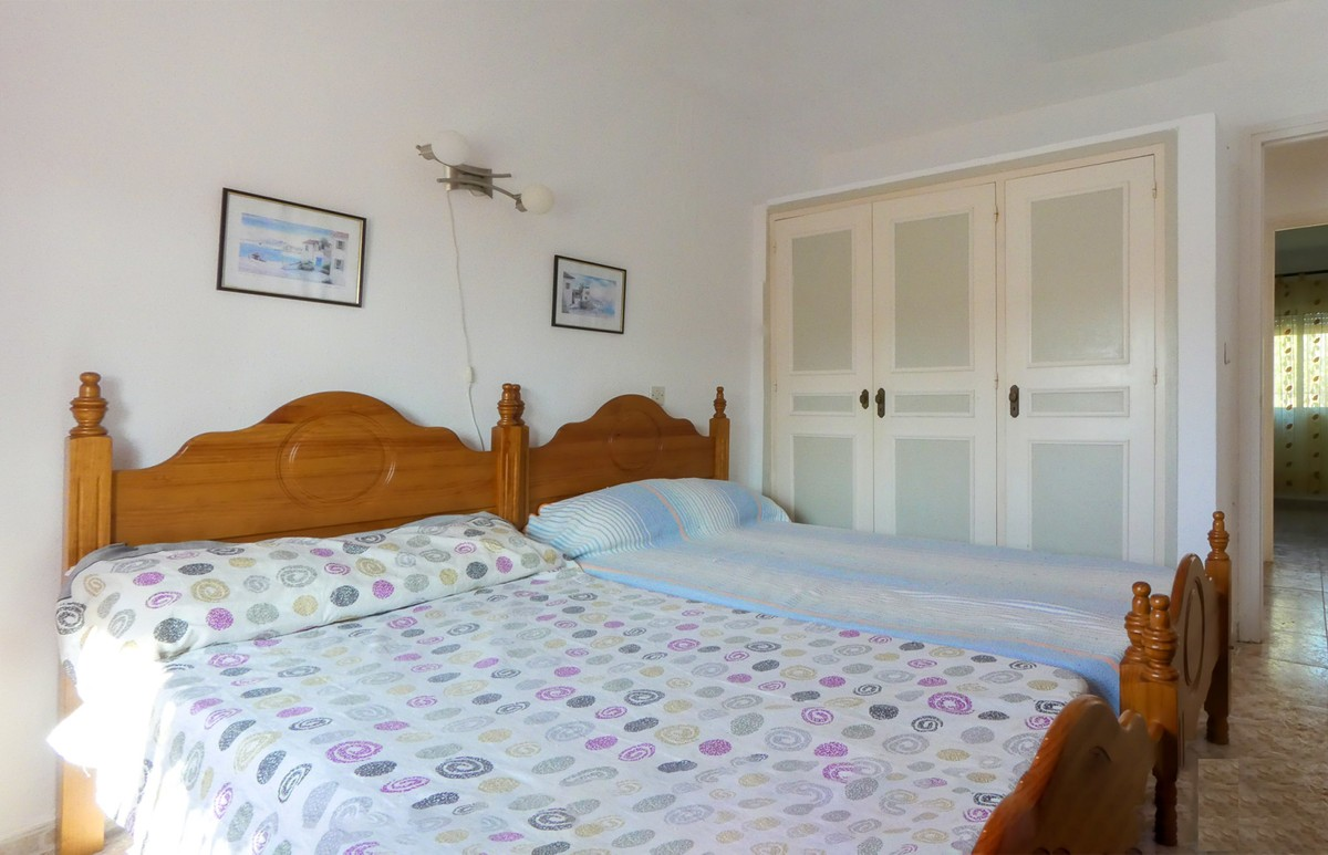 Villa de 4 dormitorios en venta en Calypso – R3712568