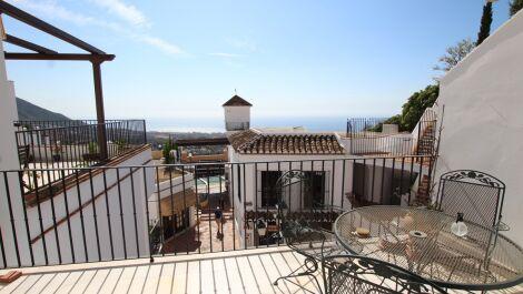3 bedroom Penthouse for sale in Mijas – R3710675 in