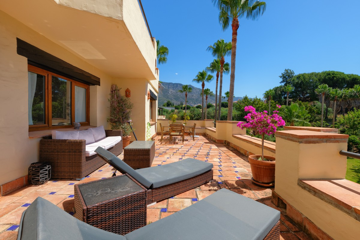 2 bedroom Apartment for sale in Marbella – R3705965