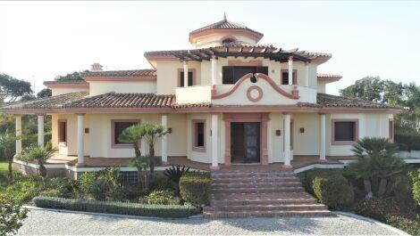 Villa de 7 dormitorios en venta en Sotogrande – R3716039 en