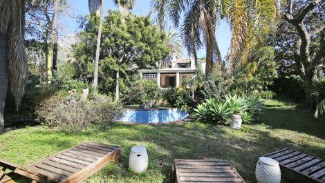 Villa de 3 dormitorios en venta en Milla de Oro – R3704009 en