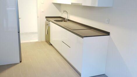 Apartamento de 2 dormitorios en venta en Marbella – R3702587