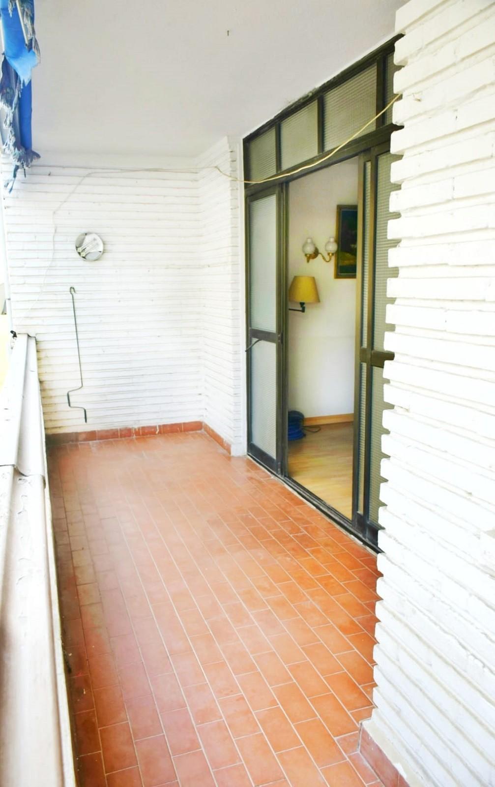 Apartamento de 3 dormitorios en venta en Marbella – R3711170