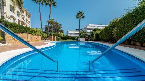 3 bedroom Apartment for sale in Elviria – R3704666