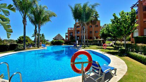3 bedroom Apartment for sale in Benahavis – R3701006