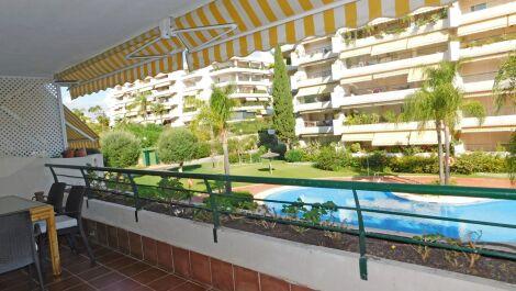 Apartamento de 3 dormitorios en venta en Guadalmina Alta – R3694202 en