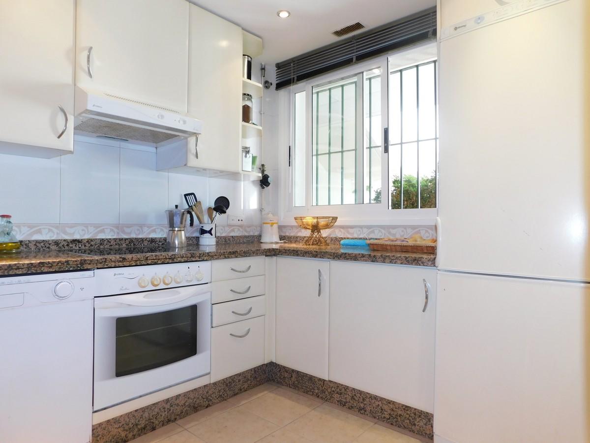 3 bedroom Apartment for sale in Guadalmina Alta – R3694202