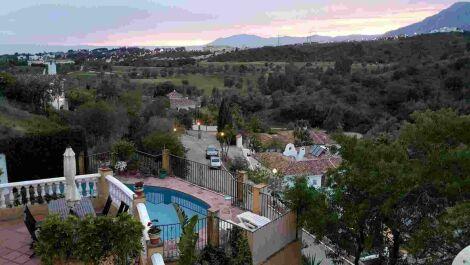 Villa de 3 dormitorios en venta en El Rosario – R3703007 en