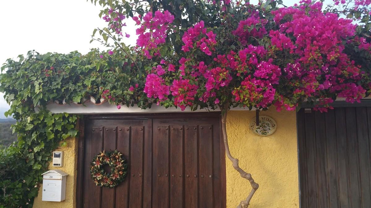 Villa de 3 dormitorios en venta en El Rosario – R3703007