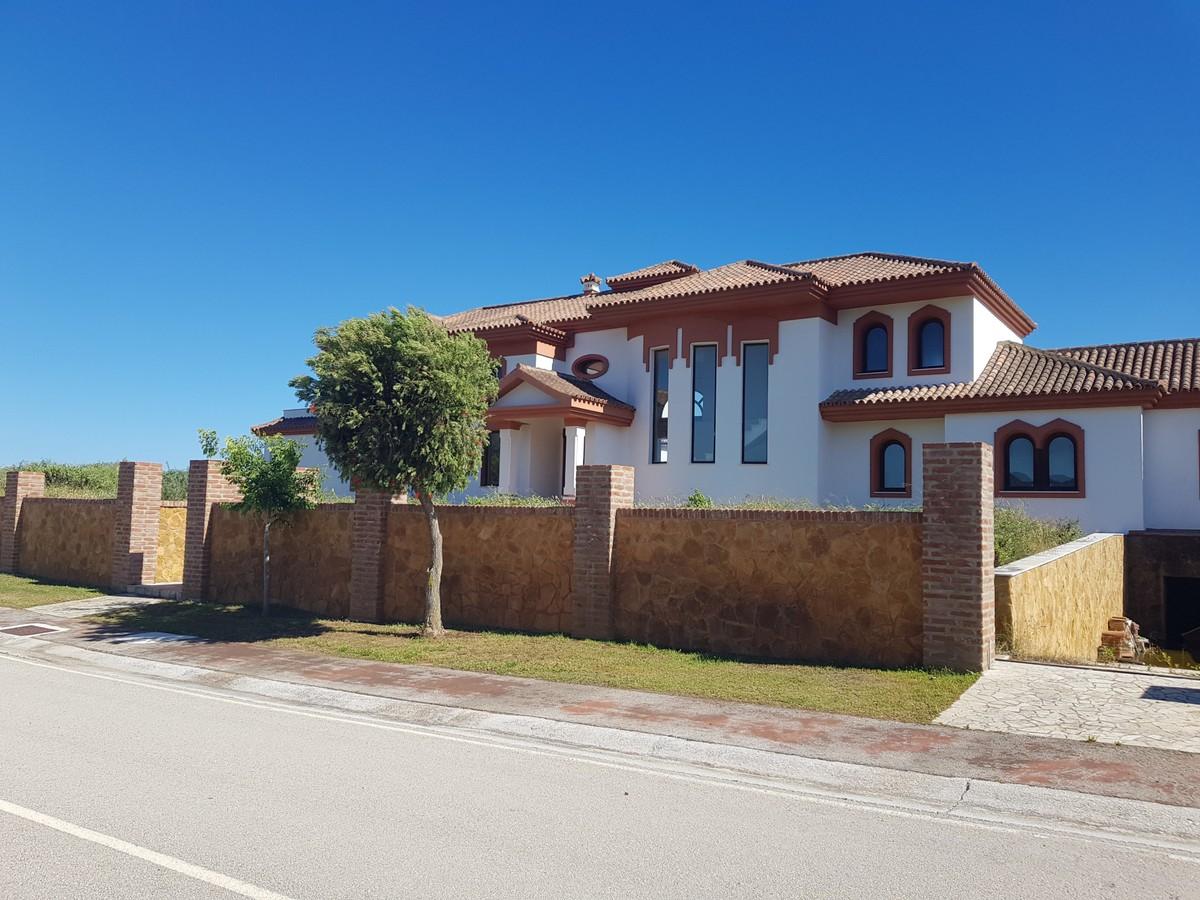 Villa de 6 dormitorios en venta en Sotogrande – R3650675