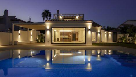 4 bedroom Villa for sale in Elviria – R3709502