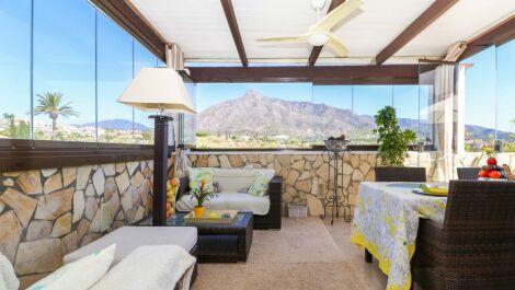 Atico de 2 dormitorios en venta en Marbella – R3710348