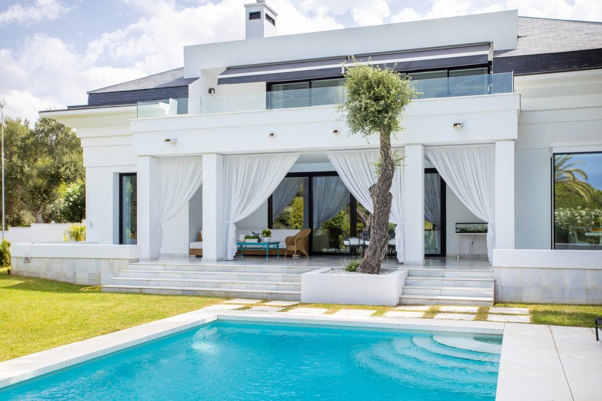 Villa de 4 dormitorios en venta en Las Chapas – R3709310