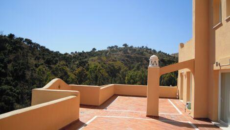 3 bedroom Penthouse for sale in Elviria – R3704816