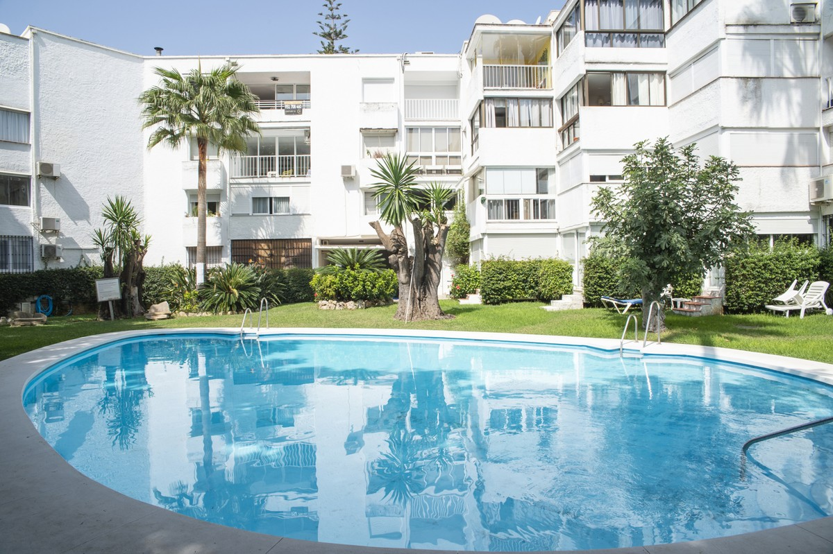 2 bedroom Penthouse for sale in Marbella – R3713390