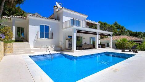 Villa de 4 dormitorios en venta en Sierra Blanca – R3710873 en