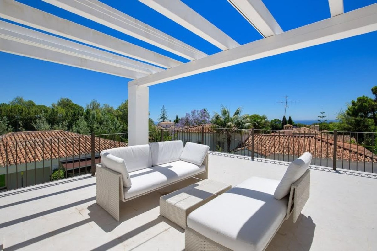 4 bedroom Villa for sale in Sierra Blanca – R3710873