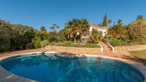Villa de 3 dormitorios en venta en Sotogrande – R3628613 in