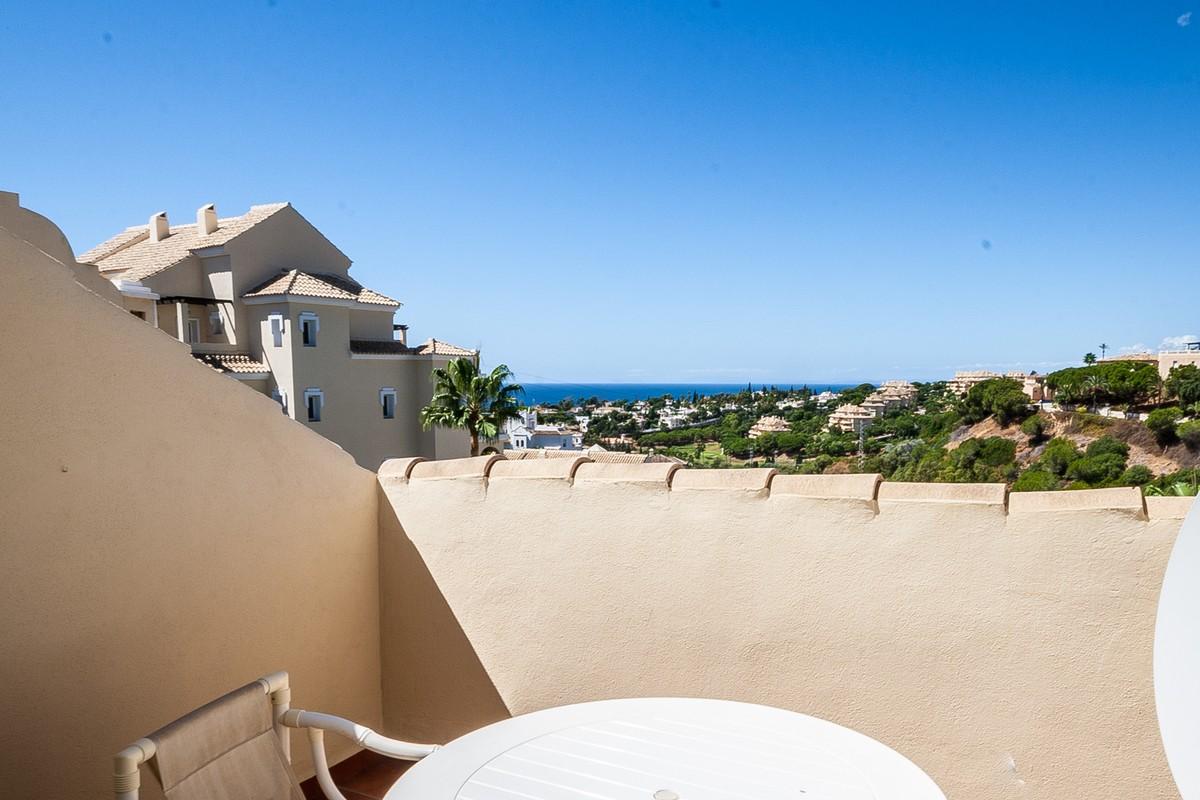 2 bedroom Penthouse for sale in Elviria – R3535732