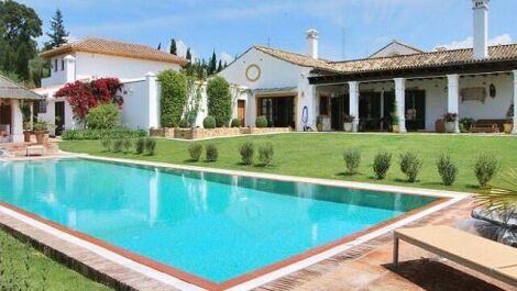 8 bedroom Villa for sale in Sotogrande – R3661928