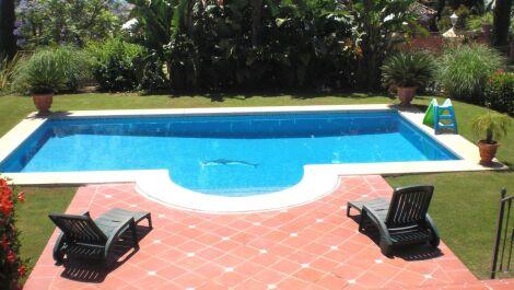 Villa de 5 dormitorios en venta en Los Flamingos – R3128755 en
