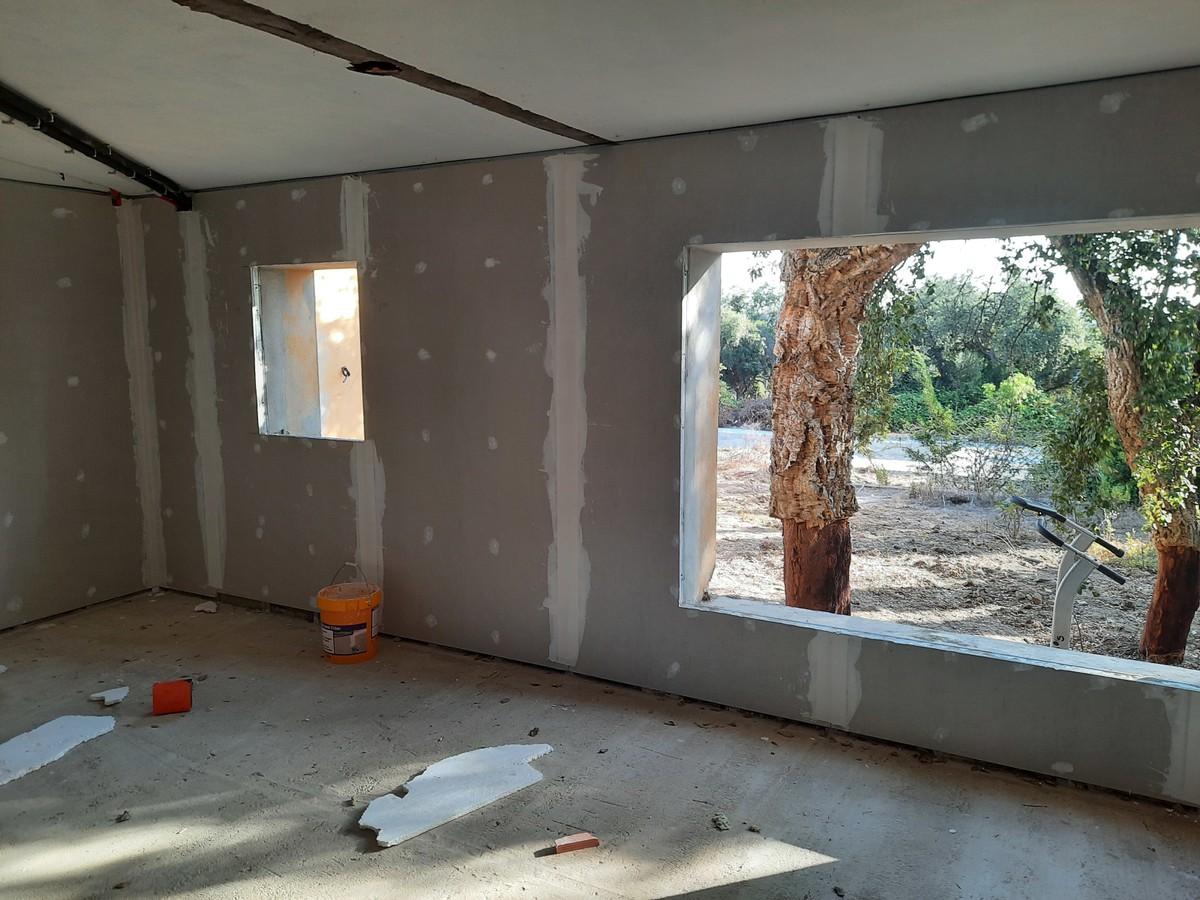 6 bedroom Villa for sale in Sotogrande – R3705305