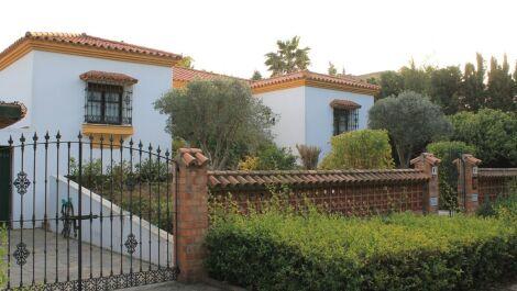Villa de 4 dormitorios en venta en Sotogrande Alto – R3635435 en