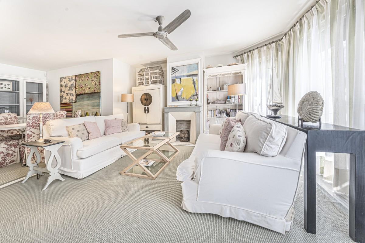 3 bedroom Apartment for sale in Elviria – R3728257