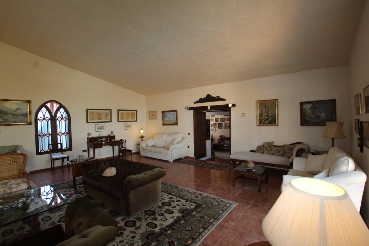 4 bedroom Finca for sale in Mijas – R3730267