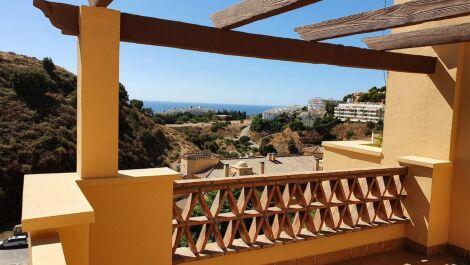 Atico de 3 dormitorios en venta en Mijas Costa – R3727957 en