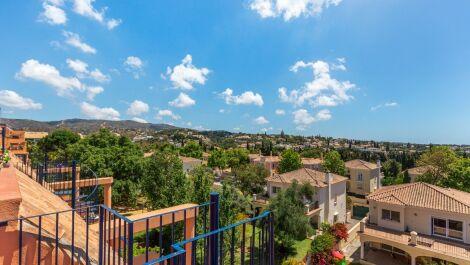 Atico de 3 dormitorios en venta en Marbella – R3597392 en