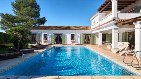 Villa de 4 dormitorios en venta en Sotogrande Costa – R3740647 en