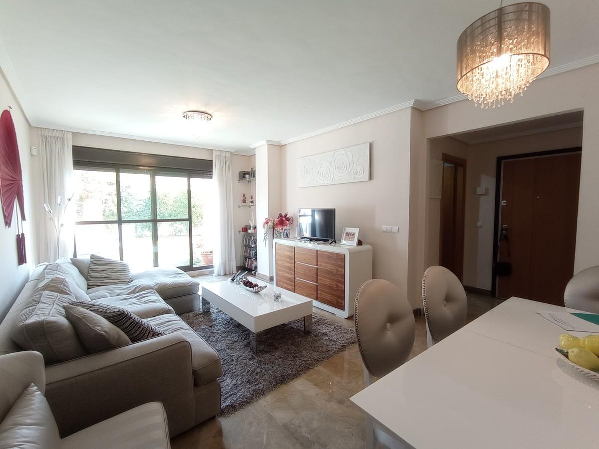 Apartamento de 2 dormitorios en venta en Selwo – R3736792