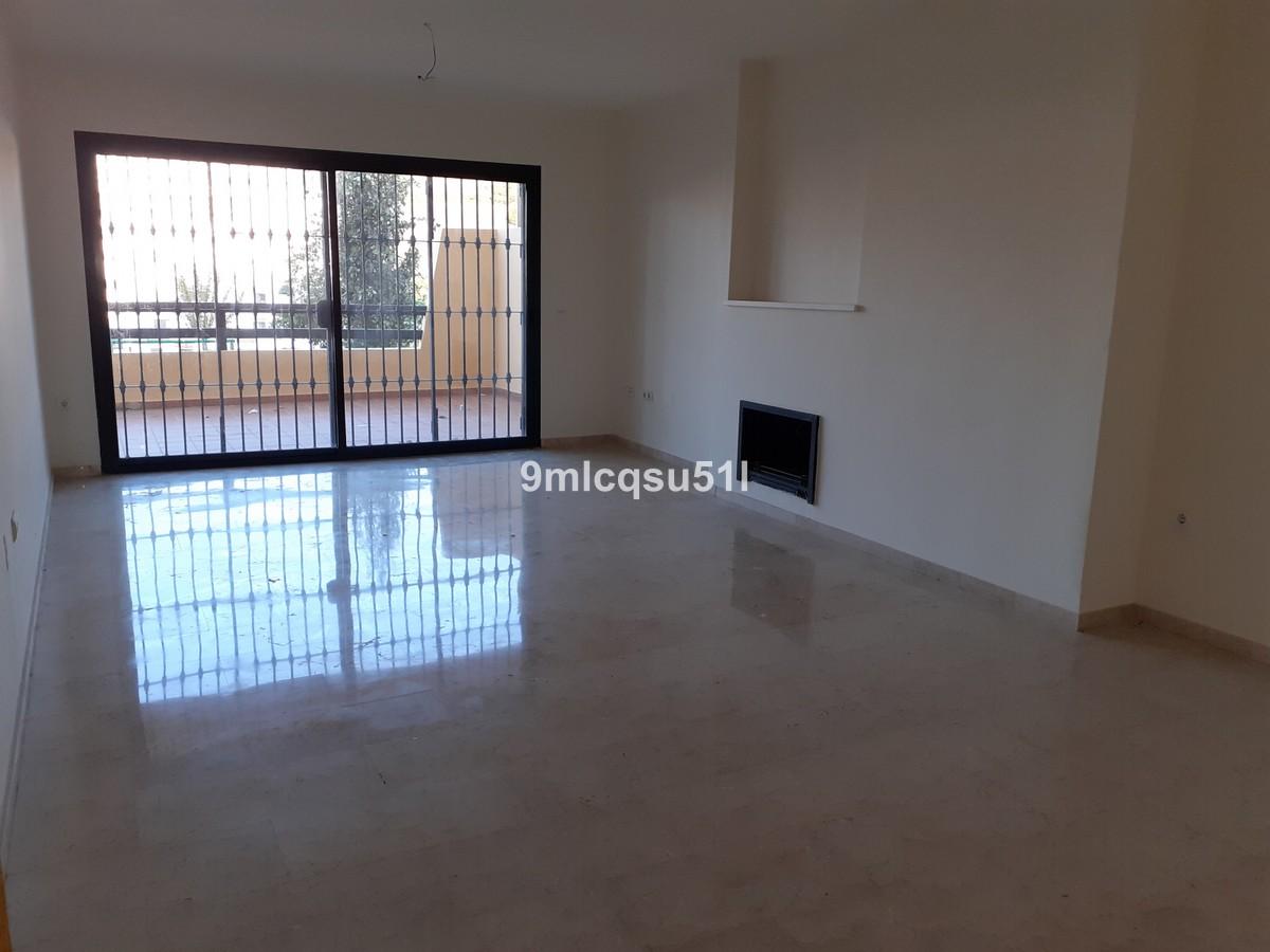 Apartamento de 2 dormitorios en venta en Selwo – R3723527