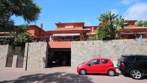 Adosado de 3 dormitorios en venta en Santa Clara – R3713444 en