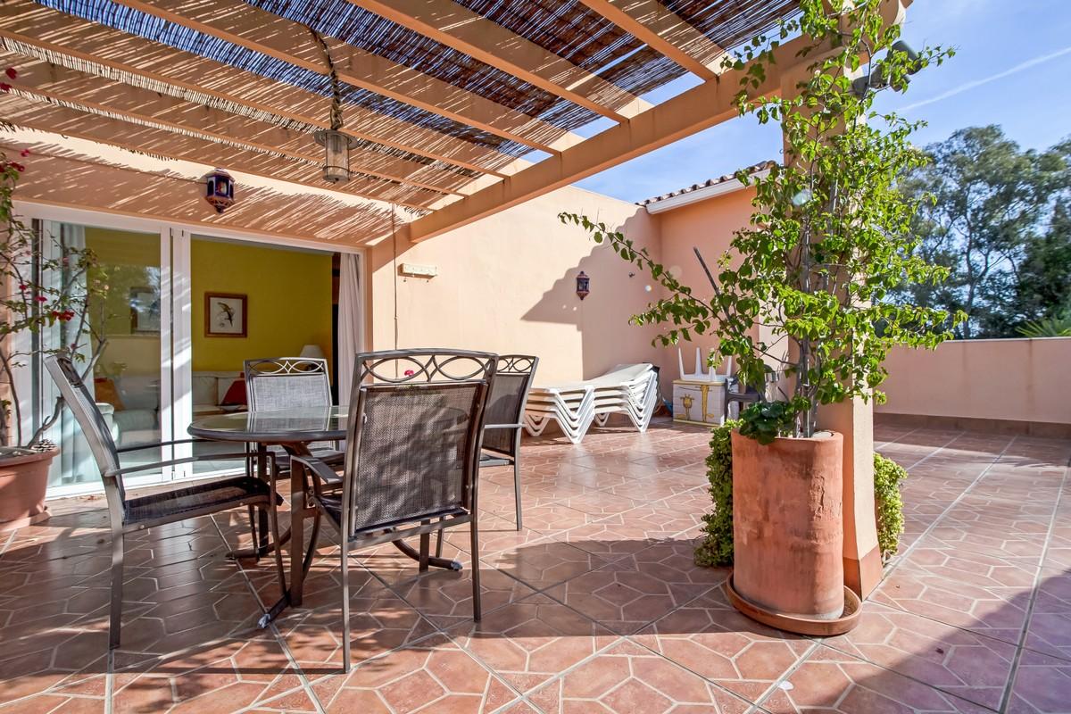 Atico de 2 dormitorios en venta en Las Chapas – R3607616