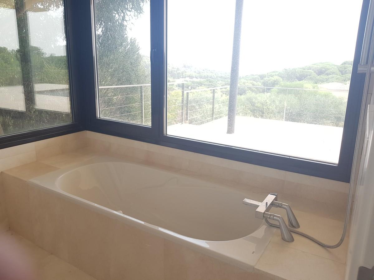Villa de 5 dormitorios en venta en Sotogrande Alto – R3721013