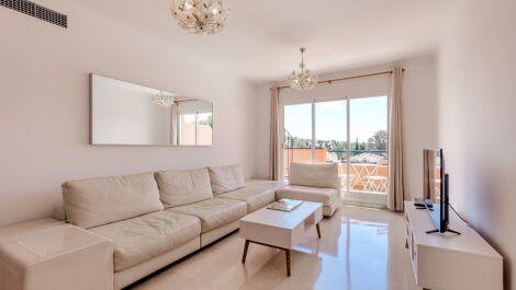 Villa de 3 dormitorios en venta en Elviria – R3538684 en