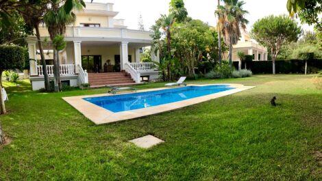 Villa de 6 dormitorios en venta en Hacienda Las Chapas – R3521887 en