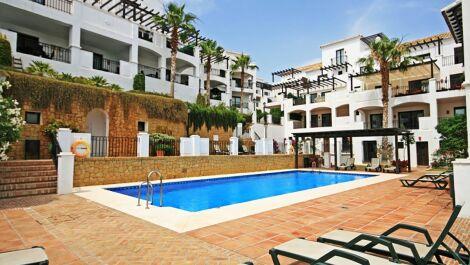 Apartamento de 3 dormitorios en venta en Altos de los Monteros – R3739312 en