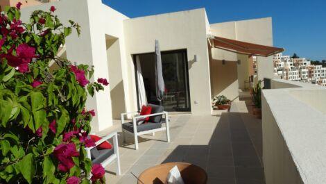 Atico de 2 dormitorios en venta en Marbella – R3735790