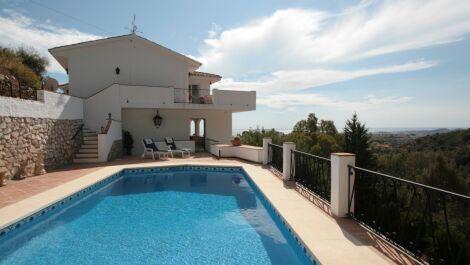 4 bedroom Villa for sale in Mijas – R3734566 in